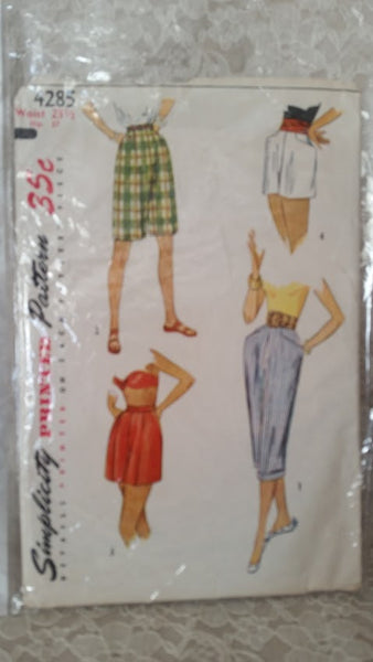Simplicity Pattern 4284 Pedal Pushers and Shorts