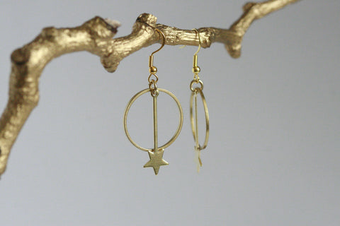 Delicate Moon & Star Earrings - Kaiko Studio