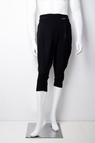 Black Capri Trouser