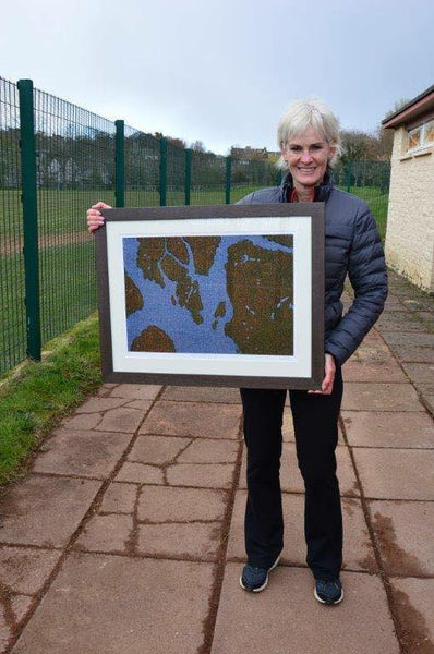 Judy Murray with her art by Jane Hunter