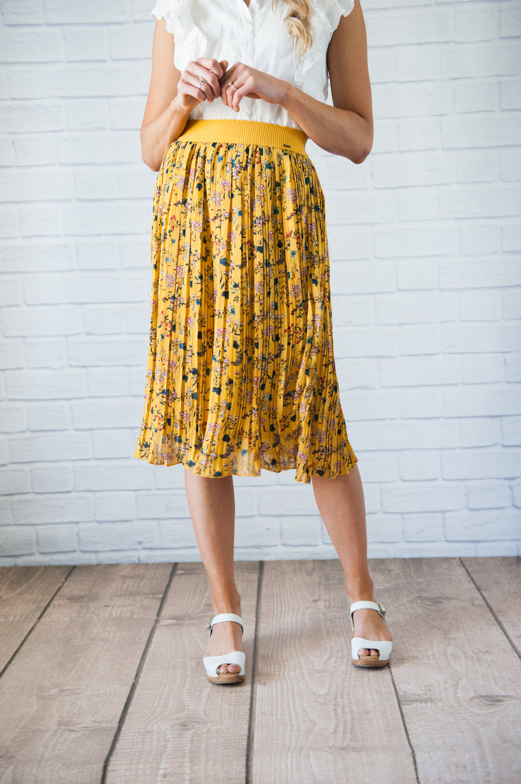Goldilocks Pleated Skirt
