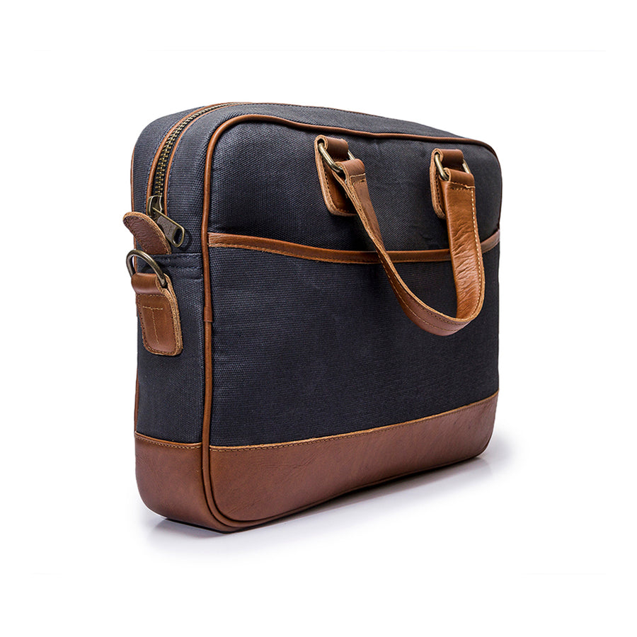 Canvas and leather laptop case | Front View  | Eagle Big Blue | Quavaro