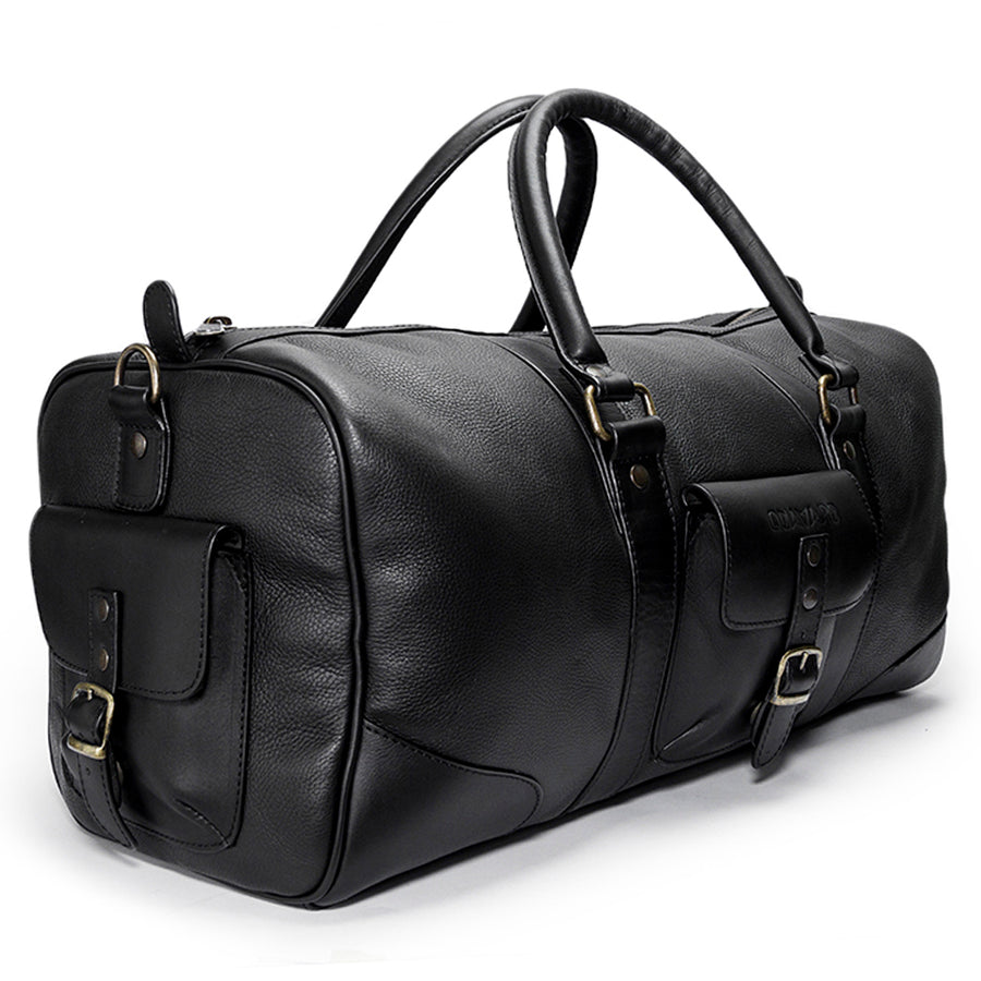 Leather duffle bag | Front View | Falcon all black pebbled leather | Quavaro