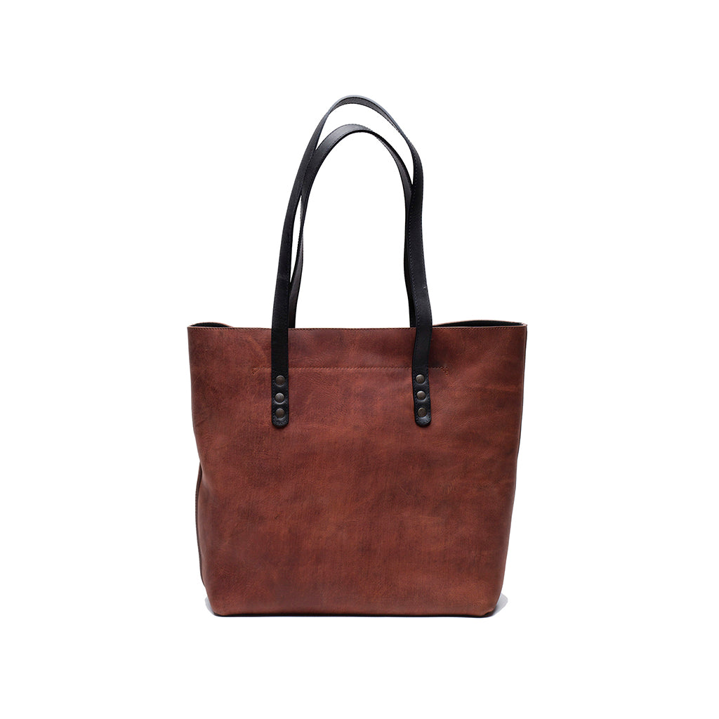 Leather tote bag | Front View | Lisbon | Quavaro