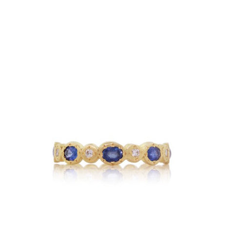 Oval Sapphire Gold Band