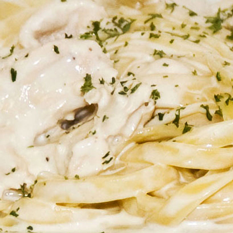 Luigi's Pizza and Pasta of North Hills - Glenside PA. Family Sized Chicken Alfredo w Fettacini Italian Dinner, pickup or delivery.