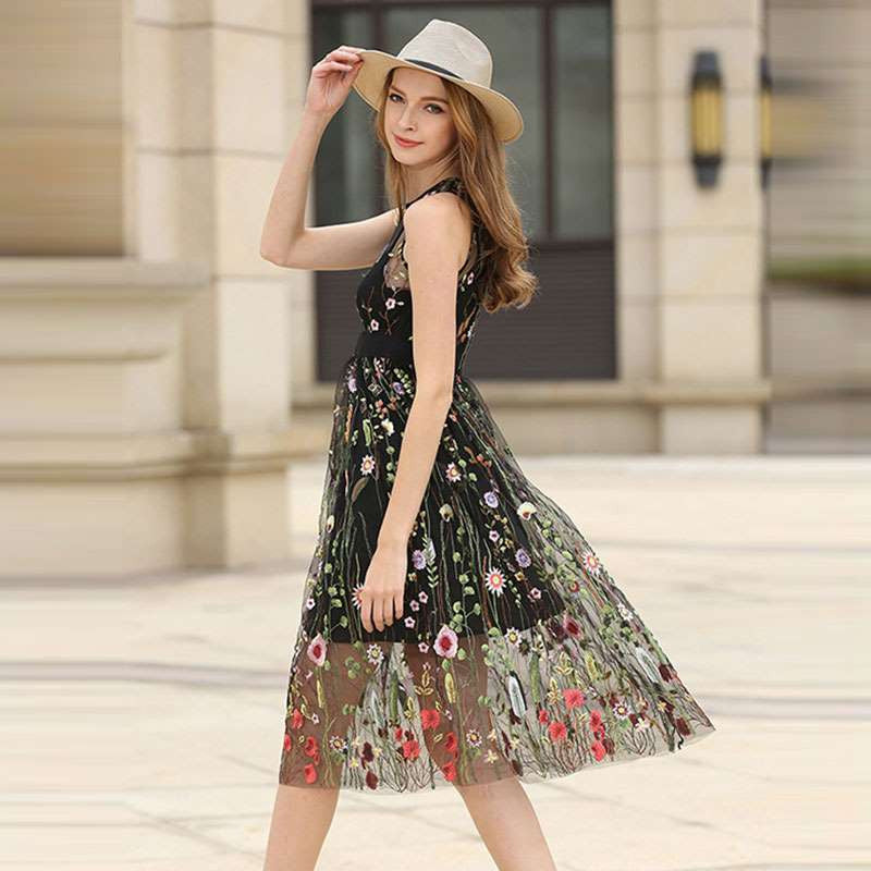 Gauzy Party dress with Embroidery