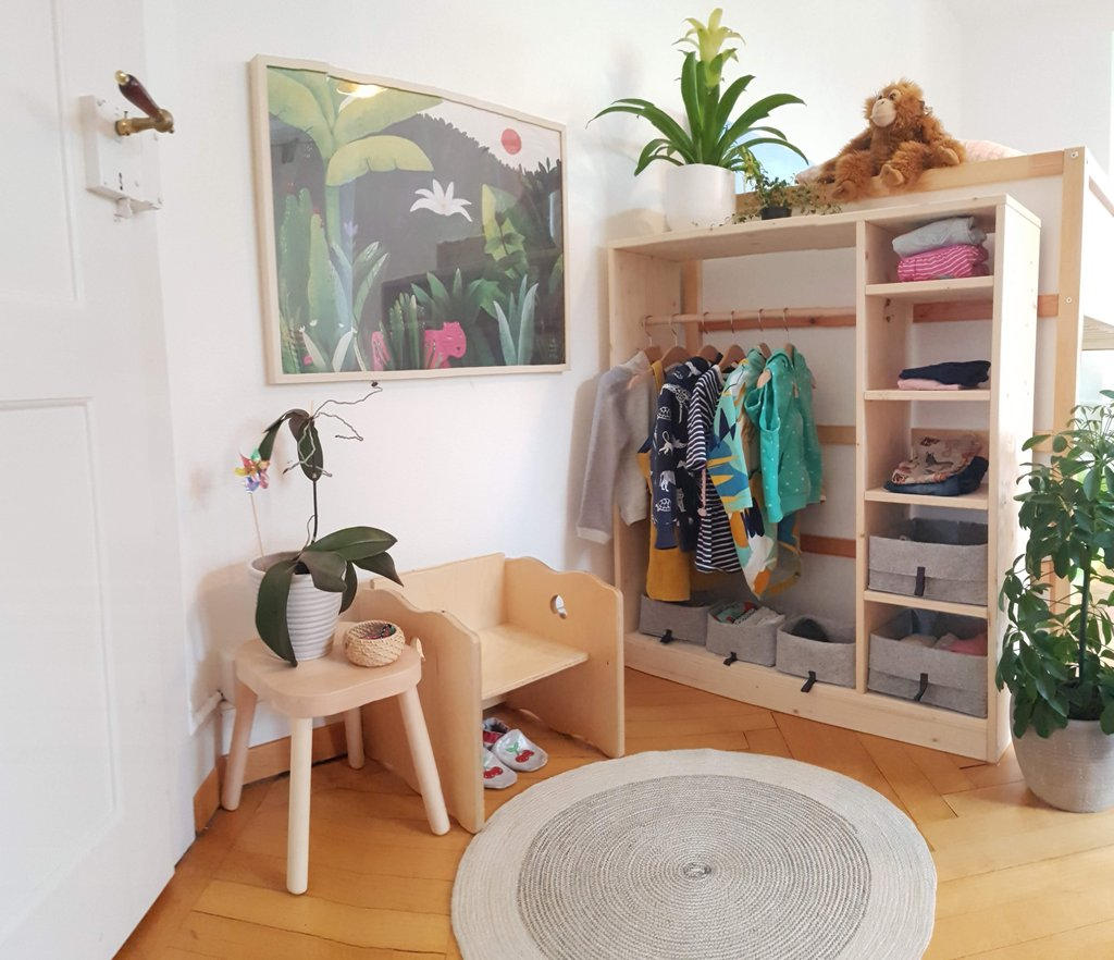 👕 All there is to know about 👟 Montessori wardrobes 👚 and independent dressing 👗