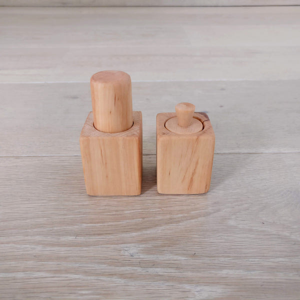 Montessori palmar grasp & pincer grasp cylinders
