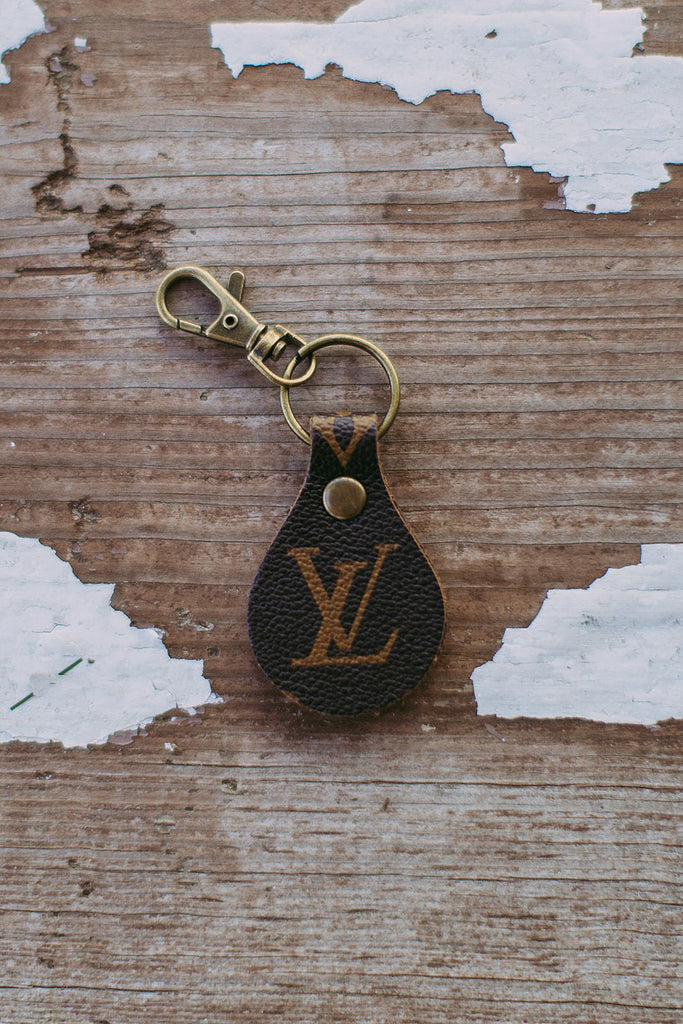 Simple Keychain LV