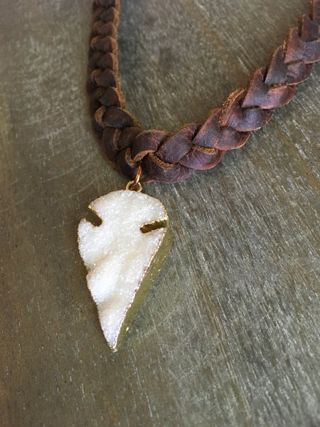 15673 3std braided oil tan with druzy arrowhead