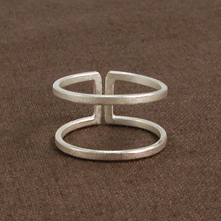 Parallel Bar Ring