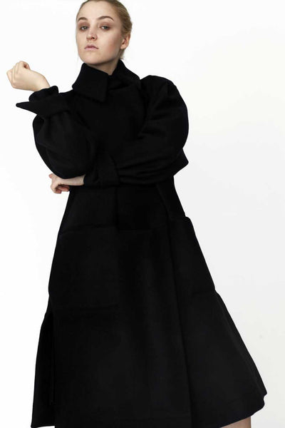 Origami Stain Collar Wool Coat / Black
