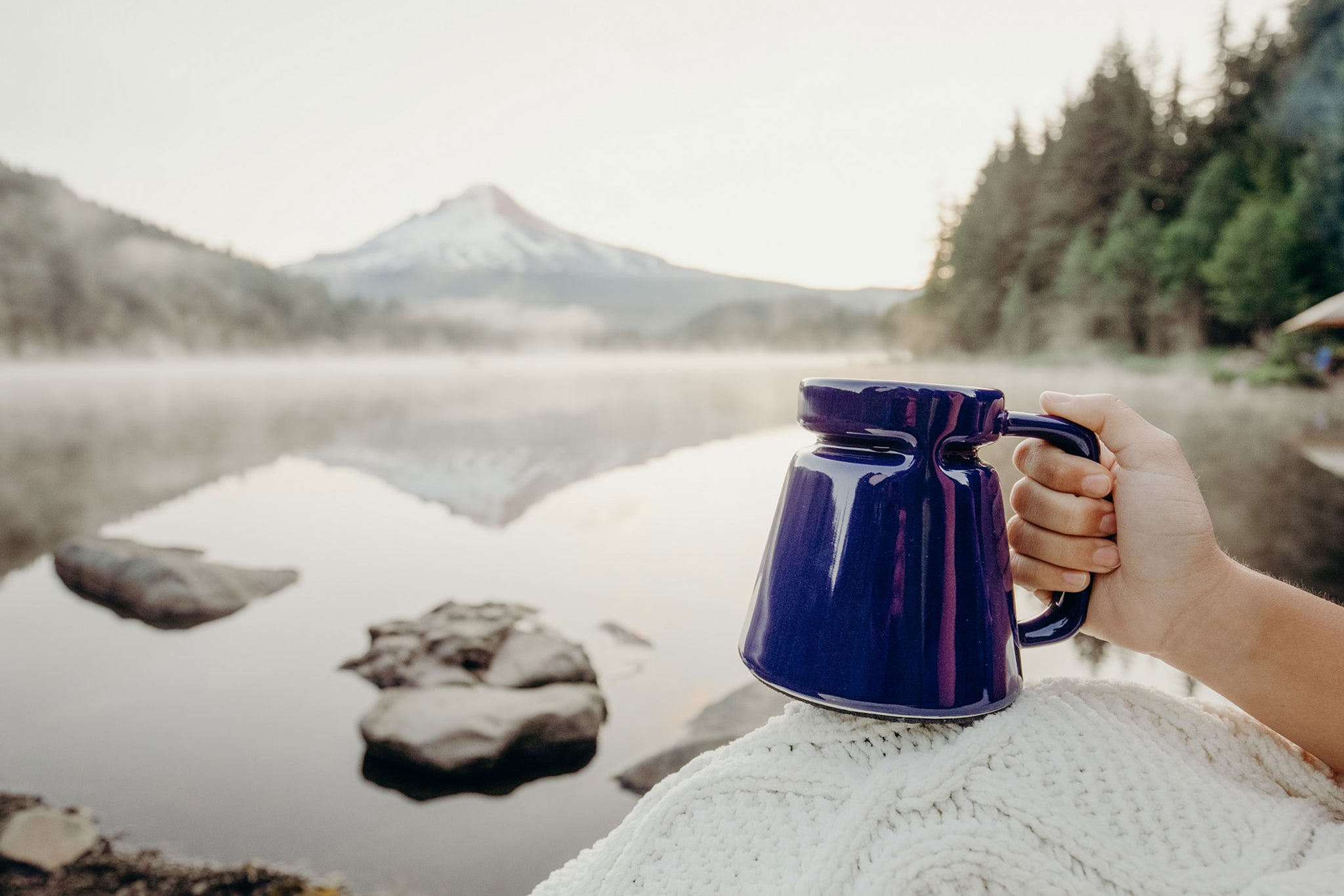 Warm Up on the Go: A Guide to Choosing the Best Travel Mug for Hot Beverages