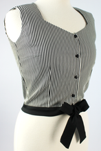 Load image into Gallery viewer, Close up of top, Top on mannequin, Pictured from the side