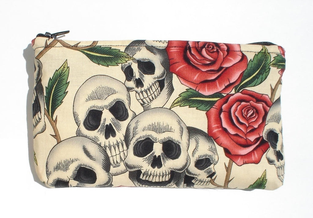 Day of the Dead / Dia de los Muertos Skulls and Roses Wallet # W202