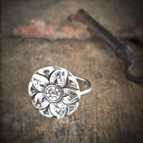 Antiqued Flower Ring, Silver