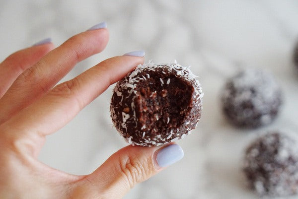 Teelixir Certified Organic Mushroom Beet Latte Chocolate Adaptogen Balls recipe with wild Siberian Chaga superfood medicinal mushroom dual extract, beet root, fair trade raw cacao. 100% Vegan, Gluten Free, Paleo and Low GI for energy endurance and stamina