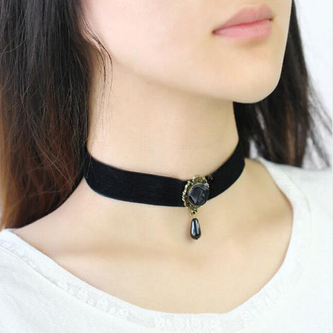 Black Rose Velvet Choker