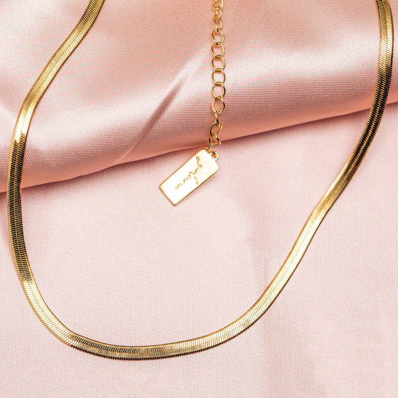 Herringbone Necklace: Gold