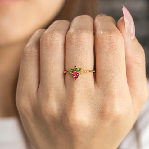 Very Berry Strawberry Ring