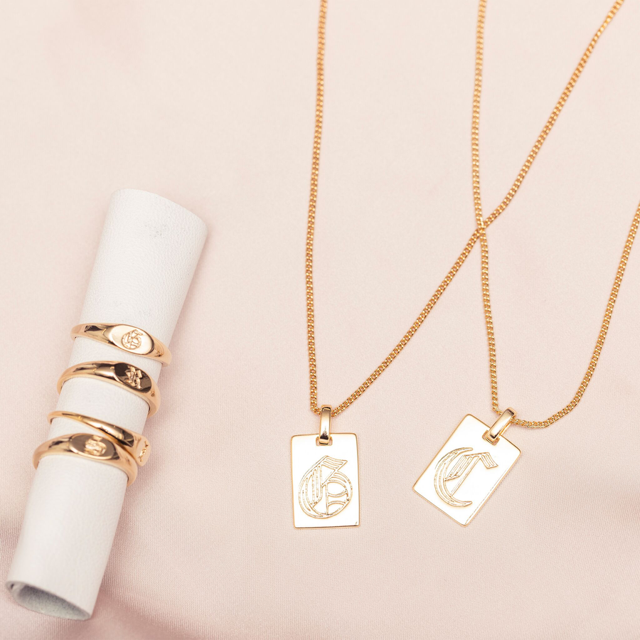 Initial Necklace : Gold