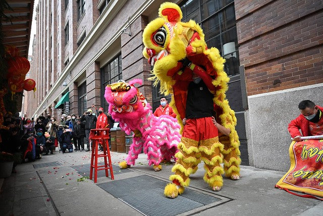 Lion dancers on 16th Street