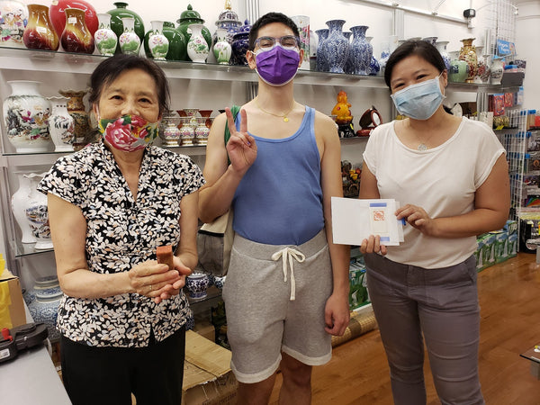 Artist Vincent Chong with Mrs. CHen and Joanne and PRM chop