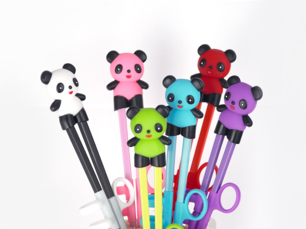 "Item: FUJ-EC21  These BPA-free plastic practice chopsticks are the perfect utensil to help beginners learn how to use chopsticks the right way!  The ambidextrous design of the finger straps makes it suitable for both left or right handed learners The animal silicone topper comes off and can be used as chopsticks rest Chopstick length 7"" Overall length 9.5"""