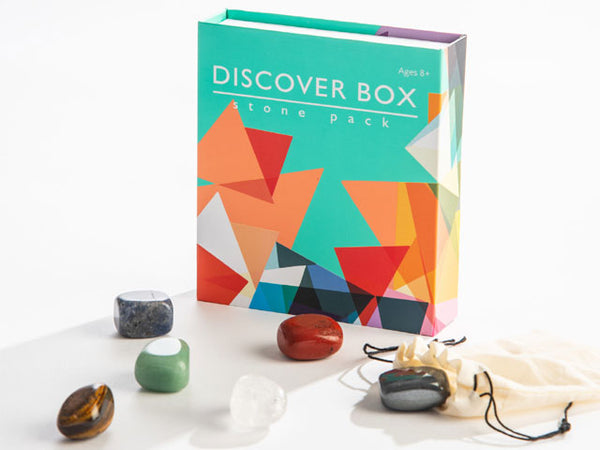 Discover a range of crystals in this fun, informative stone pack! Six genuine stones are described in an easy-to follow chart inside the box so you can learn about their scientific and healing properties. Carry the stones in the muslin bag included in the kit, or keep them snug in the box for all of your adventures!  Geared toward children 8+ featuring easy to read, lively language Stones included: Sodalite Red jasper Clear quartz Hematite Aventurine Tiger eye Size: 5.25″ x 4.5″ x 1″