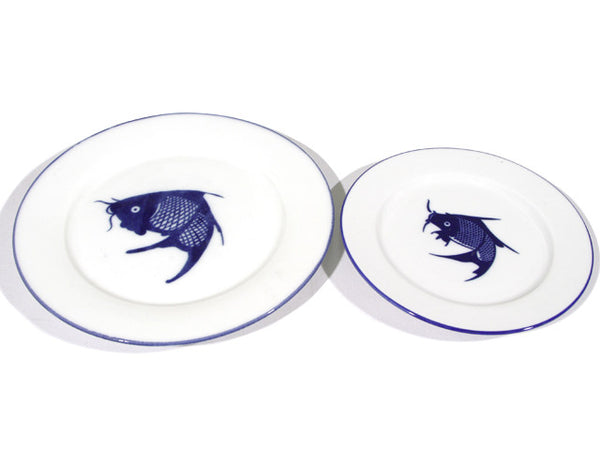 Classic Blue Fish Design Flat Plate (Blue Rim)