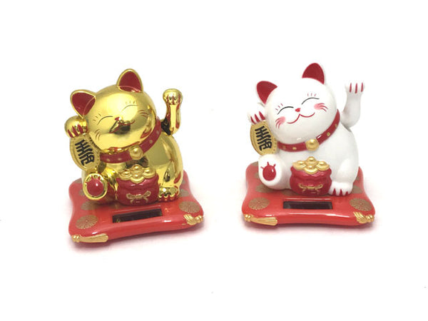 "Solar Powered Hand Motion Lucky Cat on Red Mat (3"")"