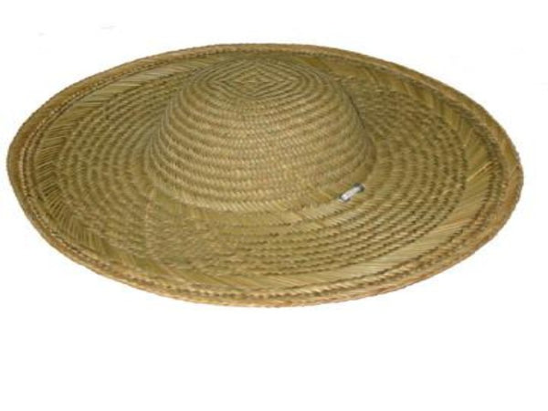 Comfortable and sturdy straw hat with a white neck string