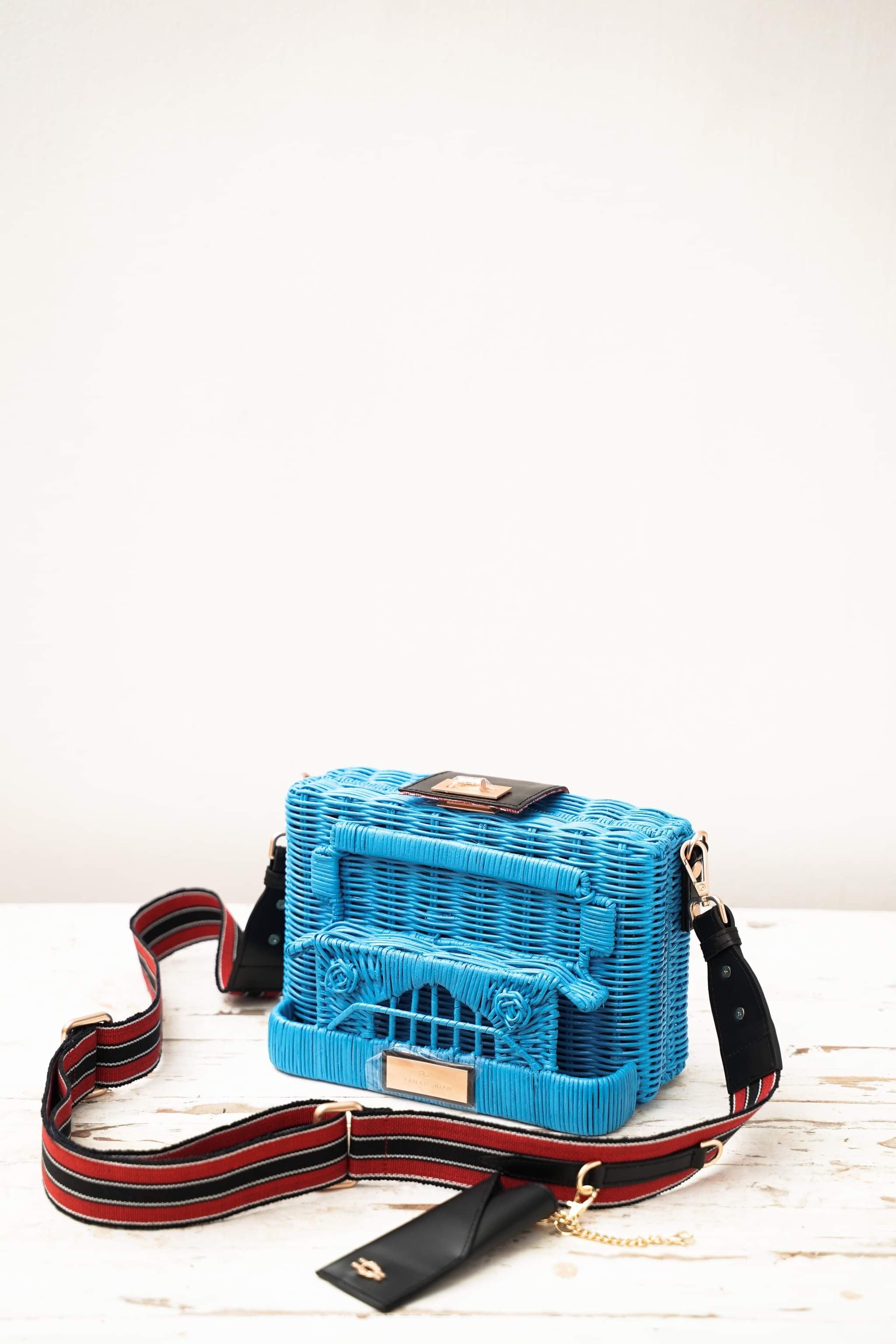 PUJ Clutch Bag in Bughaw (Blue)