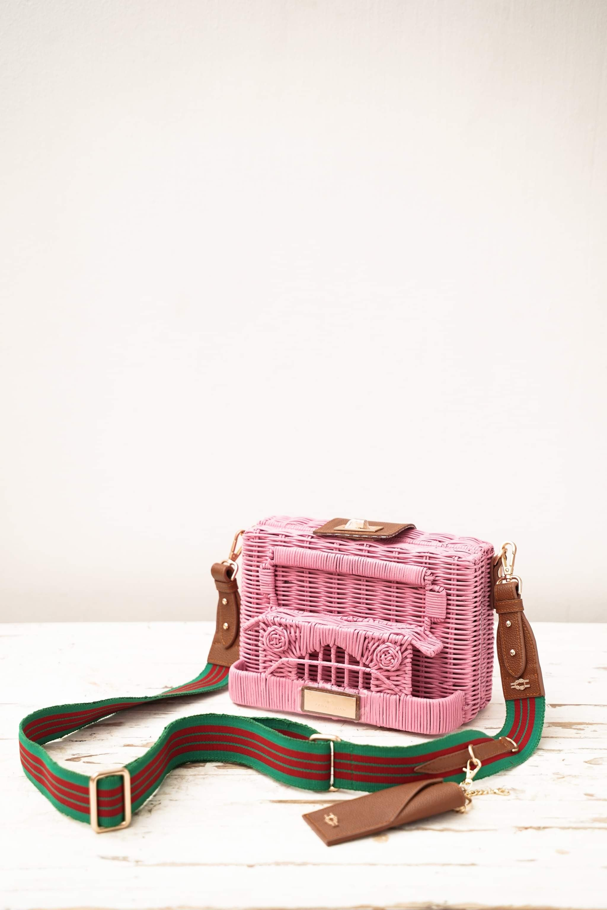 PUJ Clutch Bag in Kalimbahin (Pink)