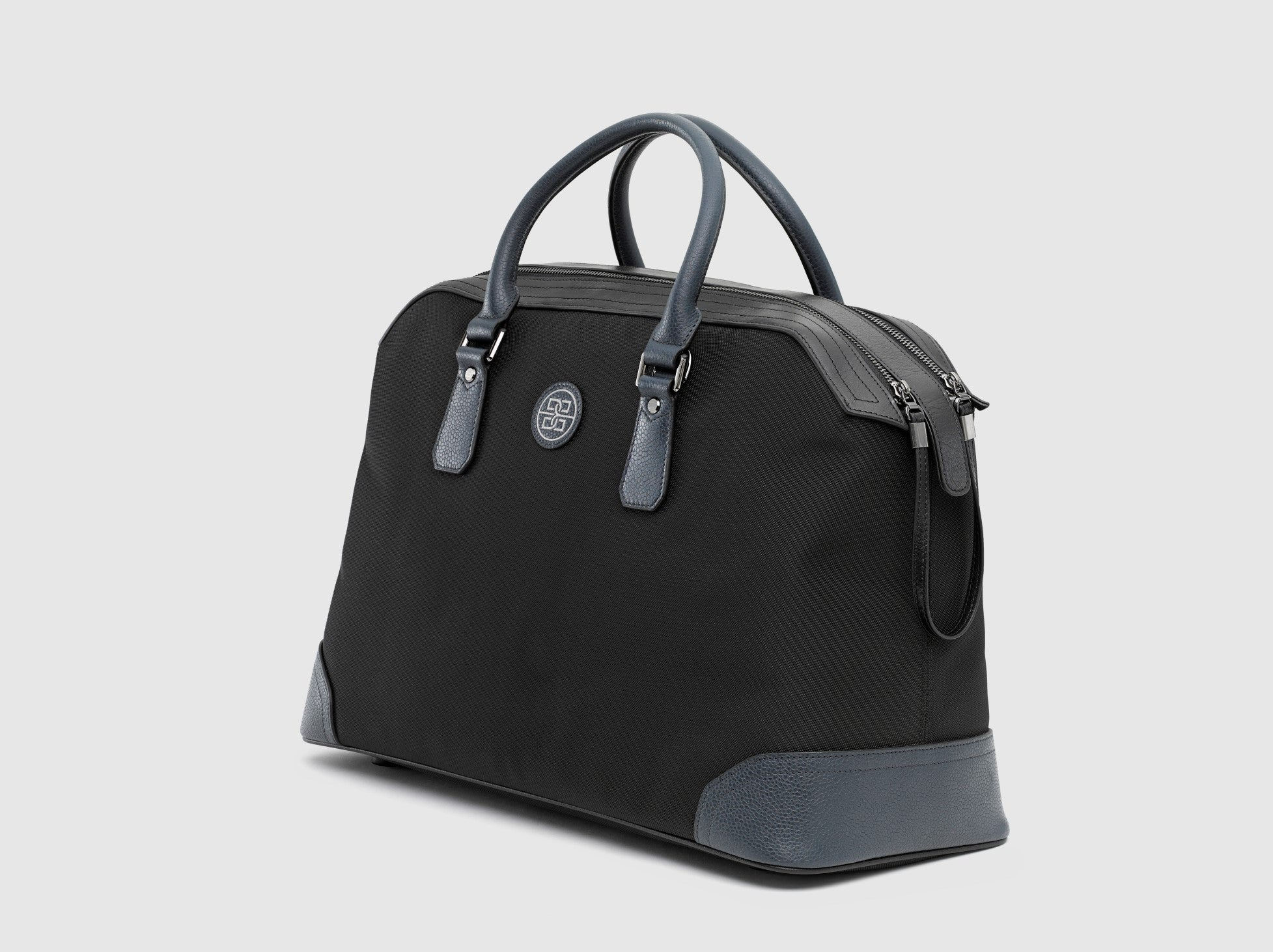 The Ivens Travel Bag in Nylon and Leather