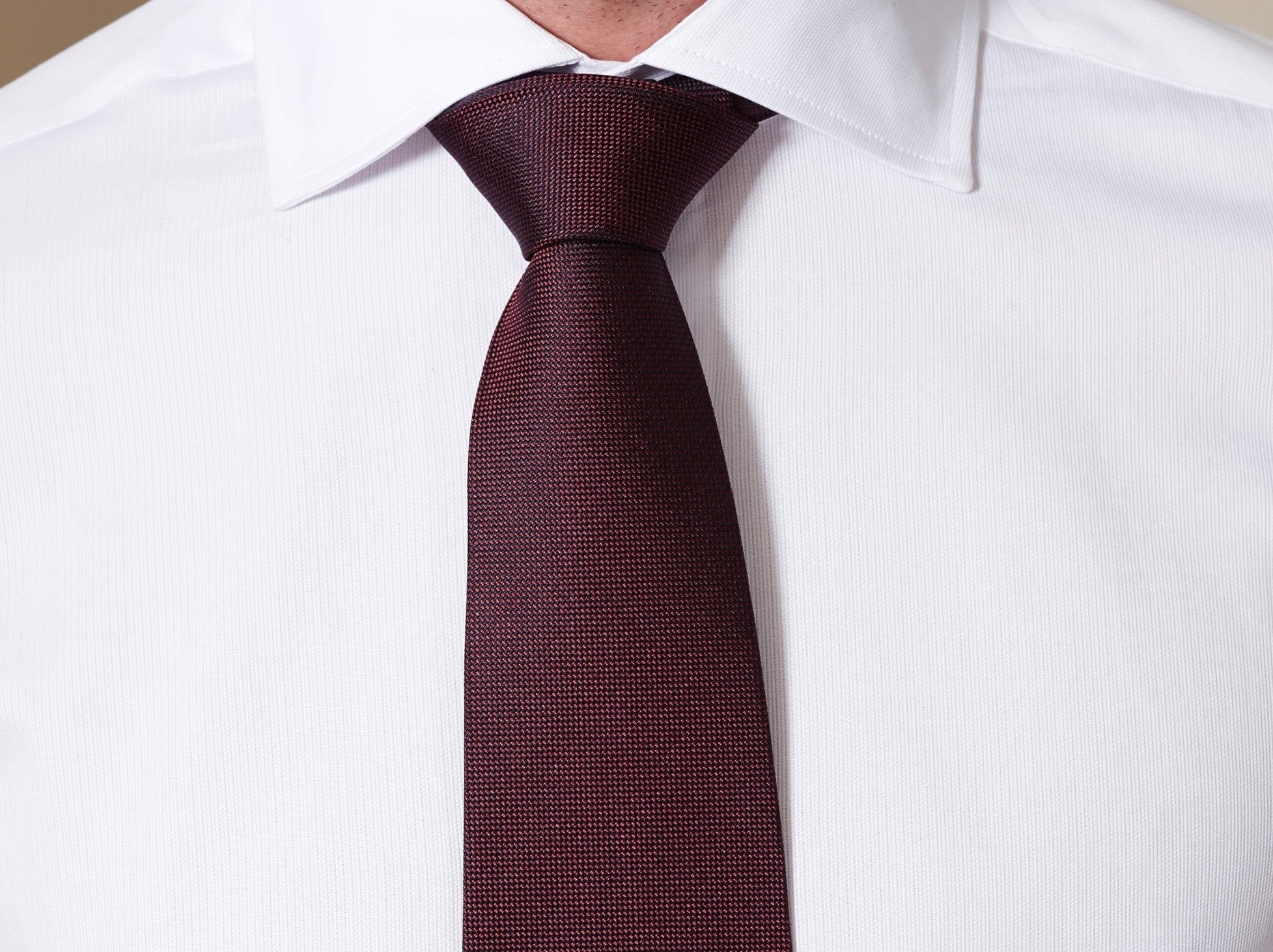 Tabit Pindot Silk Tie in Burgundy