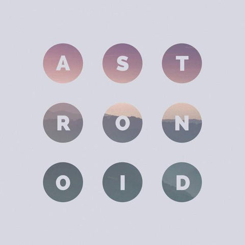 <b>Astronoid </b><br><i>Astronoid</i>