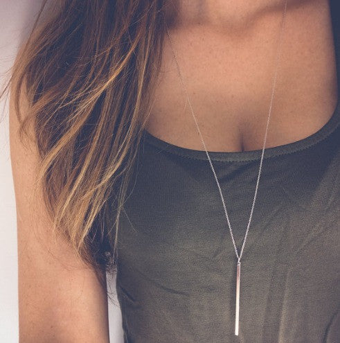 Striking and Simple Pendant Necklace