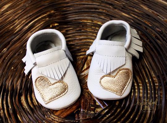 Mocasins with heart - White & Gold + Fringe - LUXE + RO