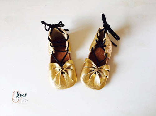 Kleopatras - Gold with black suede laces - LUXE + RO