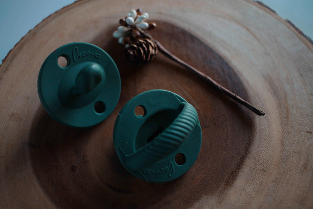 The LUXIE | Dark Green Pacifier - LUXE + RO