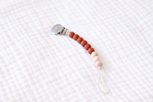 The Luxie Pacifier Clip | Caramel - LUXE + RO