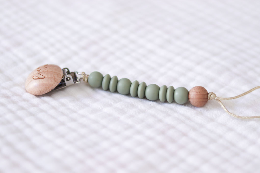 Wooden Pacifier Clip | Sage - LUXE + RO