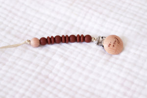 Wooden Pacifier Clip | Redwood - LUXE + RO