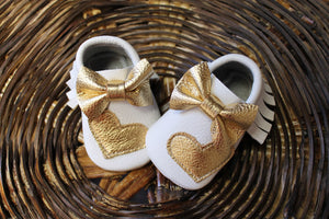 Mocasins with heart - White & Gold + Bow