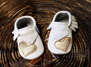 Mocasins with heart - White & Gold + Fringe