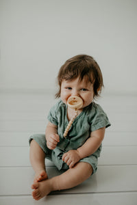 The Luxie Pacifier Clip | Soft Yellow - LUXE + RO