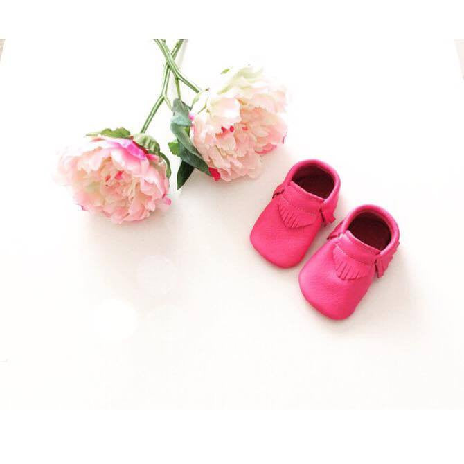 Baby soft soled shoes - Hot pink leather