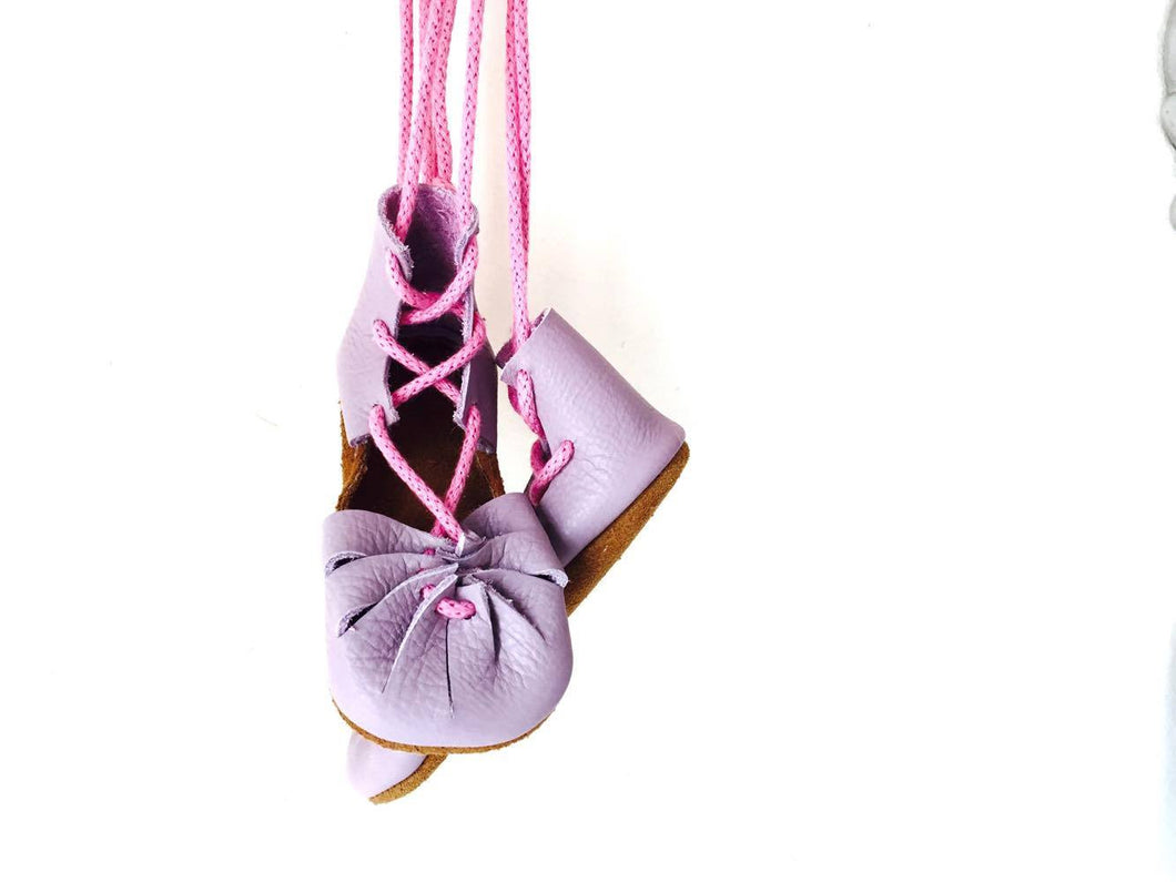 Kleopatras - Lavender and pink laces Unicorn - LUXE + RO